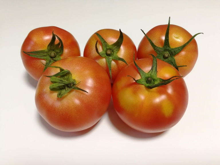 Huawei Mate 9 で撮影したトマト